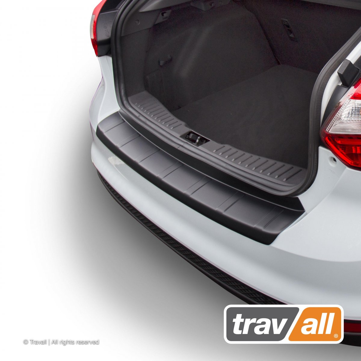 Travall® PROTECTOR-Plastic Ridged for Ford Focus 5 Door Hatchback (2010-2014) / ST (2012-2014)