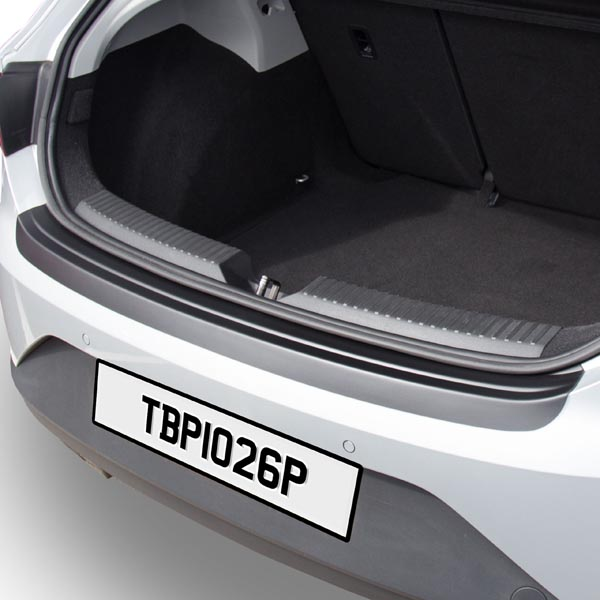 Travall® Protector-Plastic Smooth for SEAT Leon 5 Door Hatchback (2012 >)