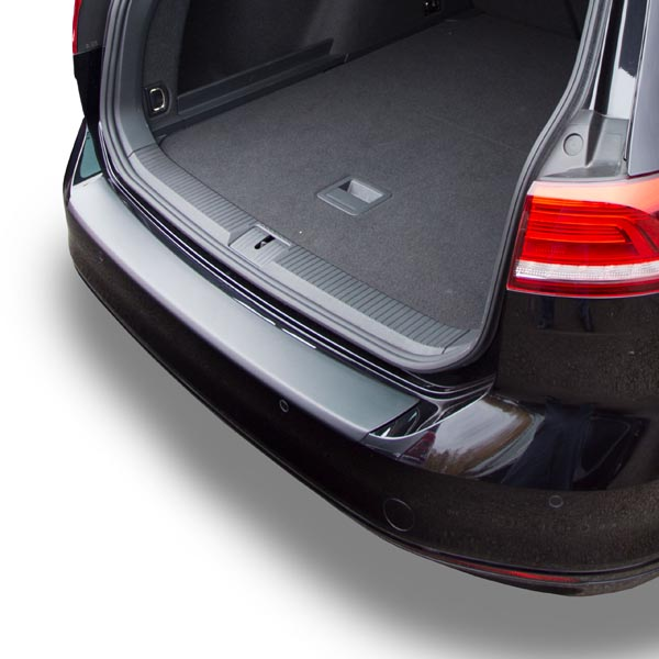 Travall® Protector-Plastic Smooth for Volkswagen Passat Alltrack (2015 >) / Estate (2014 >)